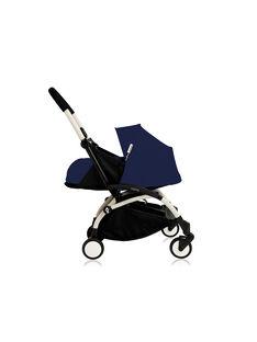 Poussette YOYO+ 0-6 mois bleu Air France Babyzen : châssis blanc & nacelle bleu Air France. Composez votre pack !